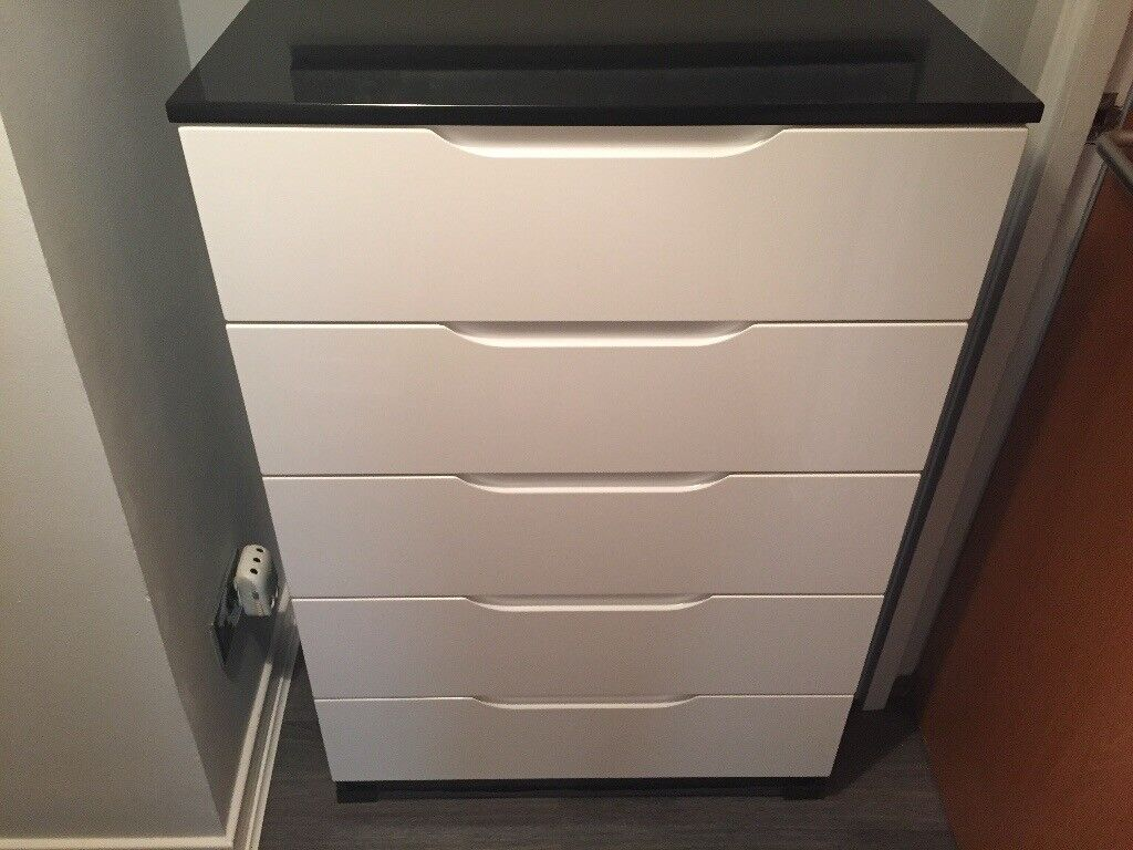 5 drawer bedroom chest