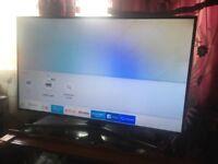 """Samsung 49"""" smart 4k led tv only 6 month old £330"""
