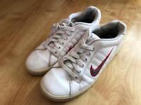 Women's Nike Trainers - Size 7