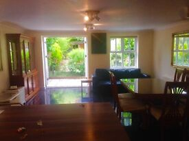 Room available in great house - Tooting Bec!