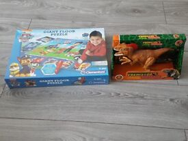 new paw patrol interactive jigsaw unopend, dinasouar with noises unopened