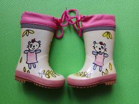 Girls Wellington boots size 4