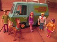 Scooby Doo van and all the characters in good condition girls boys toy