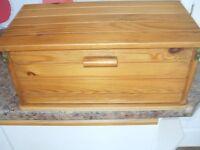 PINE BREAD BOX