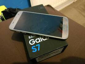 *Very Good Condition Samsung galaxy s7 gold 32gb unlocked fully working