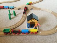 Wooden Train Track & Bridge & Station & Train / Carriages & Trees - VGUC