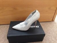 Size 5 Silver Pointy Stiletto Shoes from Dune