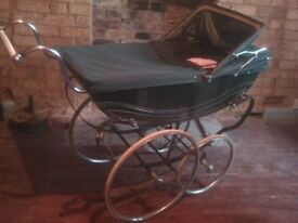 coachbuilt bouncy pram curved handles, large wheels, exc. cond. (Sherwood)