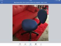 Blue Swivel computer room chair in very good condition