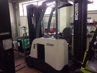 Crown Side Shifter Forklift. Year 2008. Lift Height 5.2m.