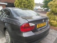 For sale Grey BMW 320D 2006 with all the specs for this model from that particular year.