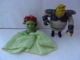 Shrek figure and Princess Fiona finger puppet