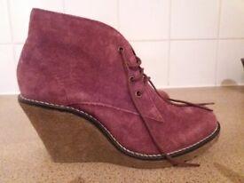 New Mantaray boots size 5