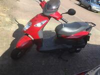 Low millage 125cc moped