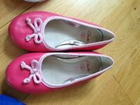 Clarks pink leather pumps size 11f
