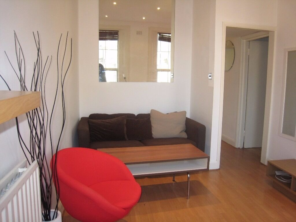 One double bedroom flat to rent on Great Western Road in Westbourne Park, W9