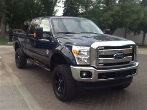 LIFTED!!! 2015 Ford F-250 SUPER DUTY Lariat
