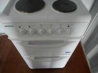 BEKO DOUBLE CAVITY 4 PLATE COOKER**IMMACULATE**