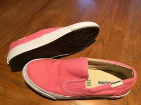 Converse slip ons size 2.5