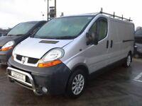 **For breaking** 2005 Renault Traffic 1.9 diesel (6 speed).