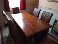 BEAUTIFUL DARK WOOD DINNING TABLE AND 6 CHAIRS