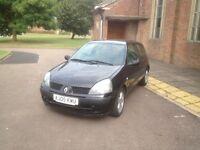 Renault Clio 1.2 year 05 in black 3 door years mot