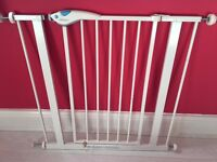 2 x Lindam Easy Fit Plus Gates (1 is brand new in box and not used)