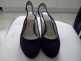 Clark's Black Suede Shoes Size 4