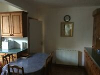 2 DOUBLE ROOMS TO LET IN A FRIENDLY FAMILY HOUSE