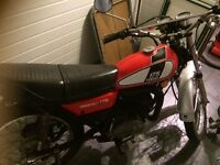 Red Yamaha DT175 1976 rare barn find