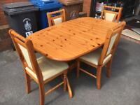 Pine Extendable Table + 5 chairs