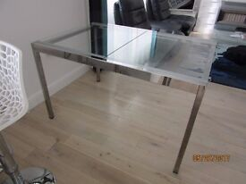 Glass dining table extendable