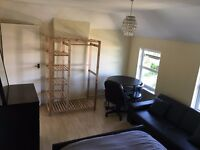 Large spacious room to rent in Bromley