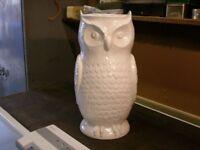 White Glazed Owl Vase/Pot by G.I.Ltd in very good condition