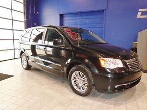 2016 Chrysler Town & Country L W/ LEATHER, DVD, NAV