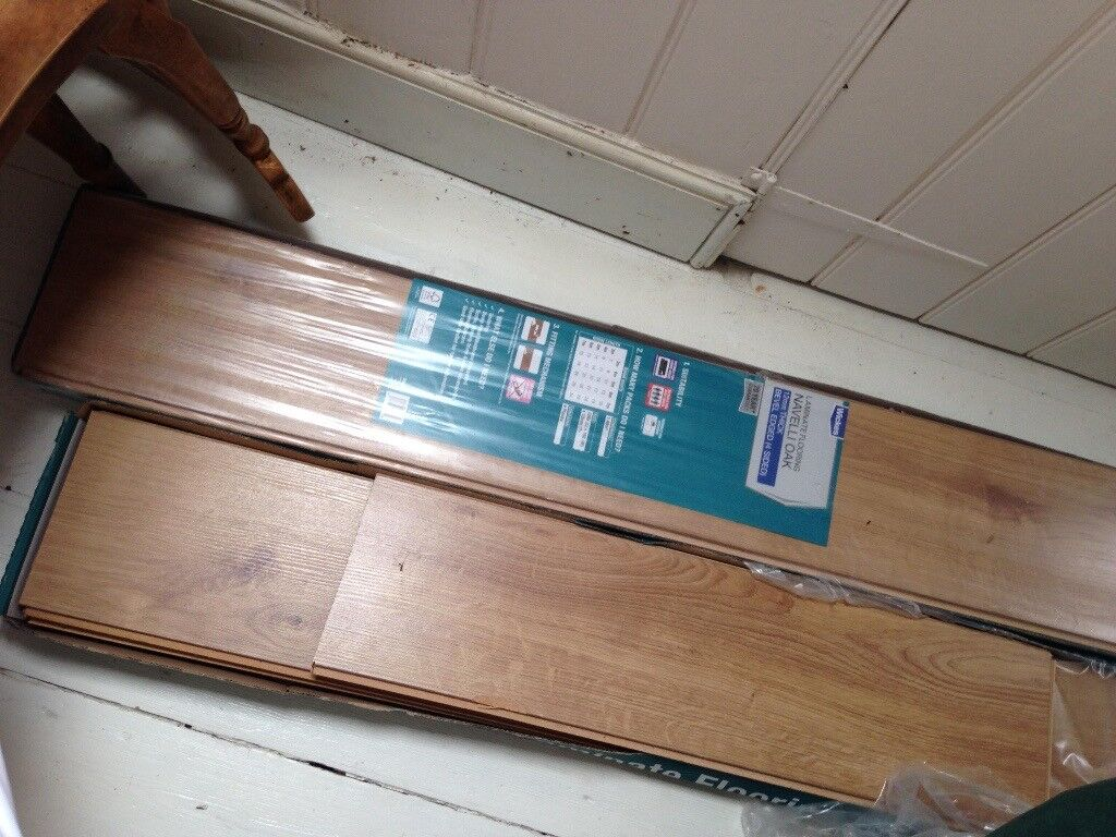 Wickes Navelli Oak Laminate Flooring