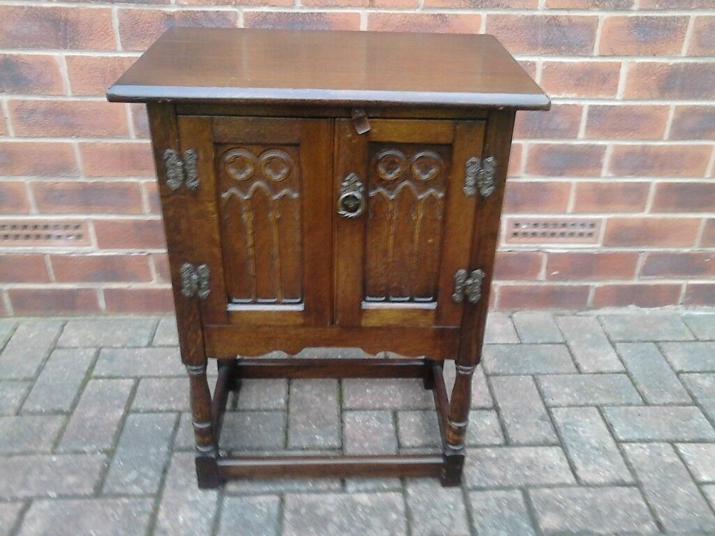 Old Charm Lamp/Telephone Cabinet