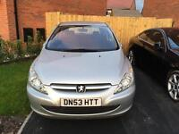 Silver Peugeot 307