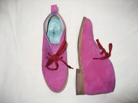 Boden Ladies Size 4 Fuschia Pink Suede Leather Laceup Ankle Boots