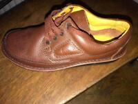 Sixe7wide fitting used Clarke's brown polyvelt shoes
