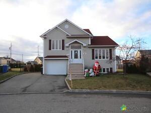 318 500$ - Maison à un étage et demi à vendre à Rimouski