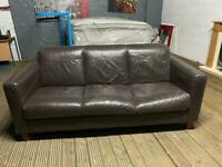 BROWN LEATHER SOFA 3 SEATER IN GOOD CONDITION