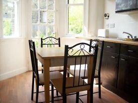 Turnpike Lane, N17 6AS-Wonderful 5 Double Bed House-2 Bathrooms-Must be Seen!