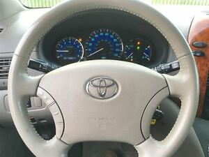 2008 Toyota Sienna XLE, Loaded; Leather, Alloys and More !!!! London Ontario image 17