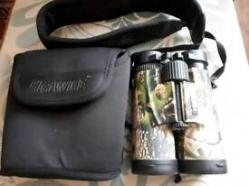 Hawke Premier 10 x 42 Camo Binoculars