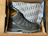 Dewalt Oxygen safety boots size 10 brand new