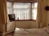 Double room/West Hampstead /clothe to station
