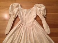 Wedding dress-raw silk size 8-10, as-new condition