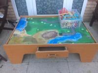 Train table & wooden train set