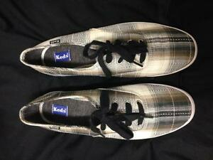 BRAND NEW KEDS CHAMPION SHOES IN BLACK PLAID - SIZE 8